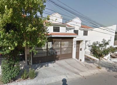 Casa En Venta Col. Pedregal La Silla Monterrey N.l. $2,650,000* En Completa Sinfonía Con La Ecología* Entorno Natural, Áreas Verdes.* Plusvalía Comprobadaplanta Baja* Recibidor* ½ Baño*