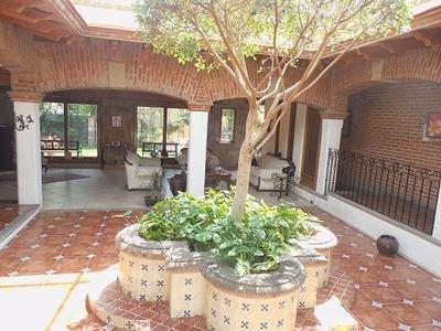Hermosa Casa En Venta En El Corazón De Satélite!!!