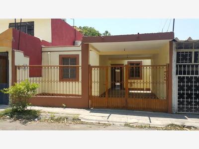 Casa En Venta En Villa De Álvarez