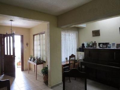 Casa Sola A Unos Pasos De Periférico Y San Jeronimo