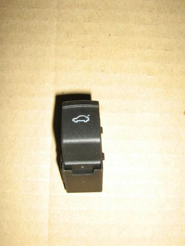 vendo boton de cajuela de jetta a4 1999-2012